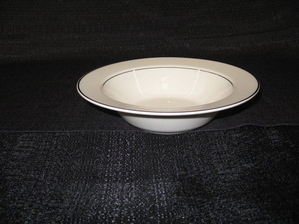 Where to find BOWL VEG 9  RD 16 OZ GOLD CHINA in Merrillville