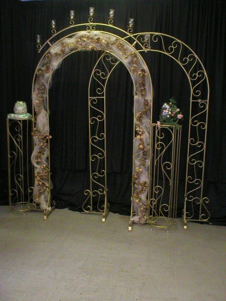 Where to find HALO W VOTIVE CUPS BRASS ARCH in Merrillville